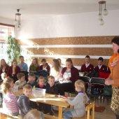 """Kazimiero Paltaroko gimnazijos moksleivių ir lopšelio-darželio ,,Gintarėlis"""" ugdytinių bendrystė dalyvaujant metodinėje-praktinėje konferencijoje ,,Krikščionybės simboliai mene"""""""